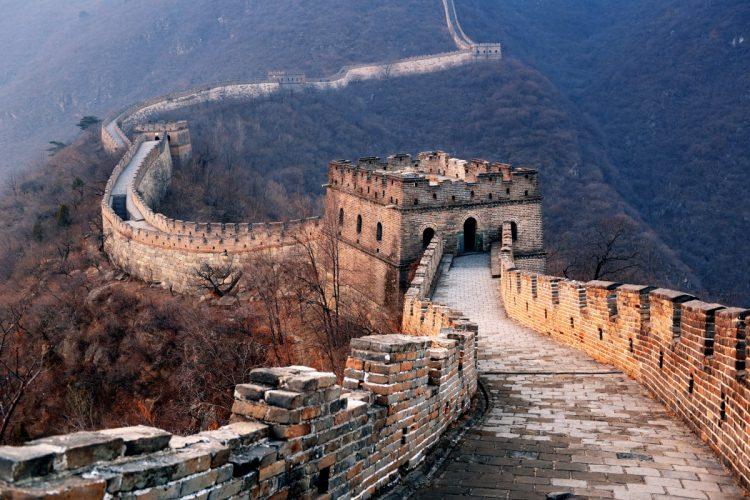 Tårnene på den kinesiske mur bliver brugt til at sende advarselssignaler